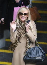 Эмма Бантон, фото 2259. Jan. 23th - London - Emma Bunton Leaving ITV Studios, foto 2259