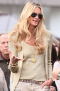 Эль Макферсон, фото 1073. Elle MacPherson at The Grove to appear on the programme 'Extra', february 20, foto 1073