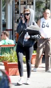 Миша Бартон, фото 10535. Mischa Barton - shopping and at a car wash in California 02/23/12, foto 10535