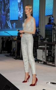Каролина Куркова, фото 1294. Karolina Kurkova Elton John AIDS Foundation Academy Awards Party in LA, 26.02.2012, foto 1294