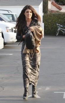 Шенэй Граймс, фото 1996. Shenae Grimes - Lunching in LA - Feb. 29, 2012, foto 1996