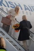 Памела Андерсон, фото 5002. Pamela Anderson arrival at Vienna International Airport, march 4, foto 5002
