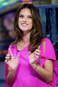 Алессандра Амброзио, фото 8176. Alessandra Ambrosio On 'El Hormiguero' TV Show in Madrid, 05.03.2012, foto 8176