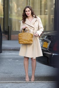 Лейгтон Мистер, фото 6869. Leighton Meester On the Set of 'Gossip Girl' in Manhattan - 05.03.2012, foto 6869
