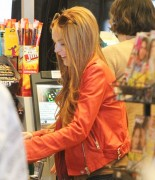 Линдси Лохан, фото 23106. Lindsay Lohan - out and about in Beverly Hills 03/08/12, foto 23106