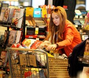 Линдси Лохан, фото 23112. Lindsay Lohan - out and about in Beverly Hills 03/08/12, foto 23112