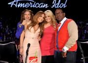 Jennifer Lopez on American Idol 8th March x4