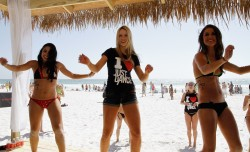 Катрина Боуден, фото 794. Katrina Bowden 'Just Dance 3' & Maxim have spring breakers dancing in the sand on Panama City Beach - March 8, 2012, foto 794
