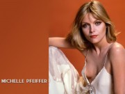 Michelle Pfeiffer : Sexy Wallpapers x 5