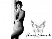 Morena Baccarin : One Naked Wallpaper