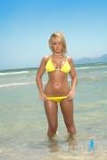 http://thumbnails39.imagebam.com/20471/199805204700427.jpg
